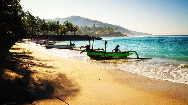 4 DAYS 3 NIGHTS CHARMING LOMBOK